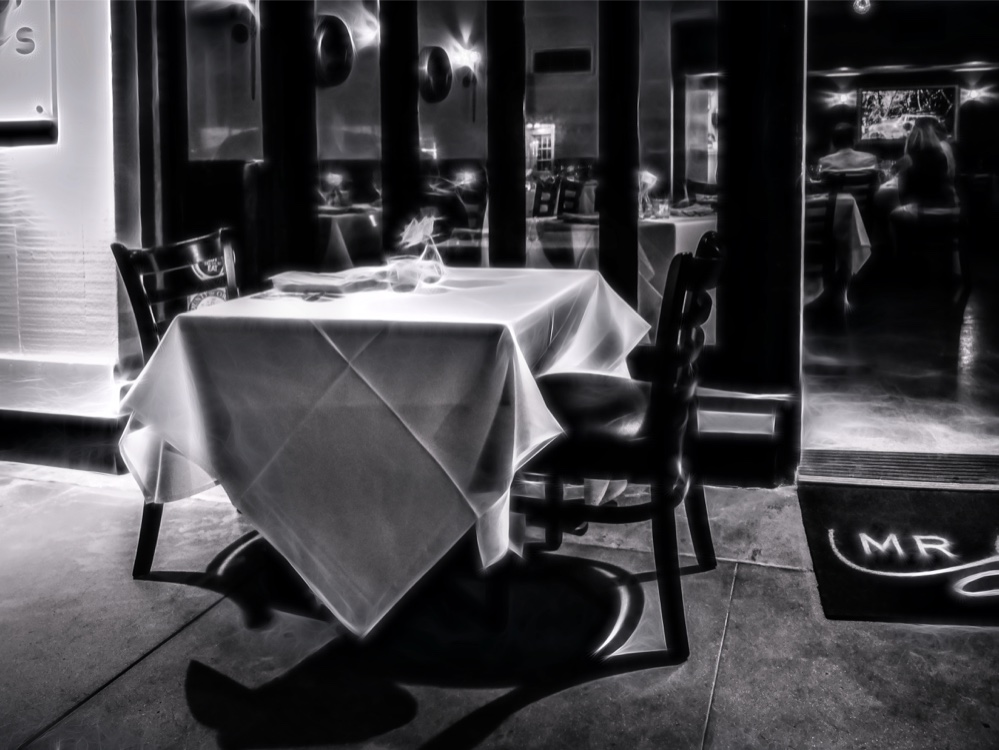 table restaurant bw take 2